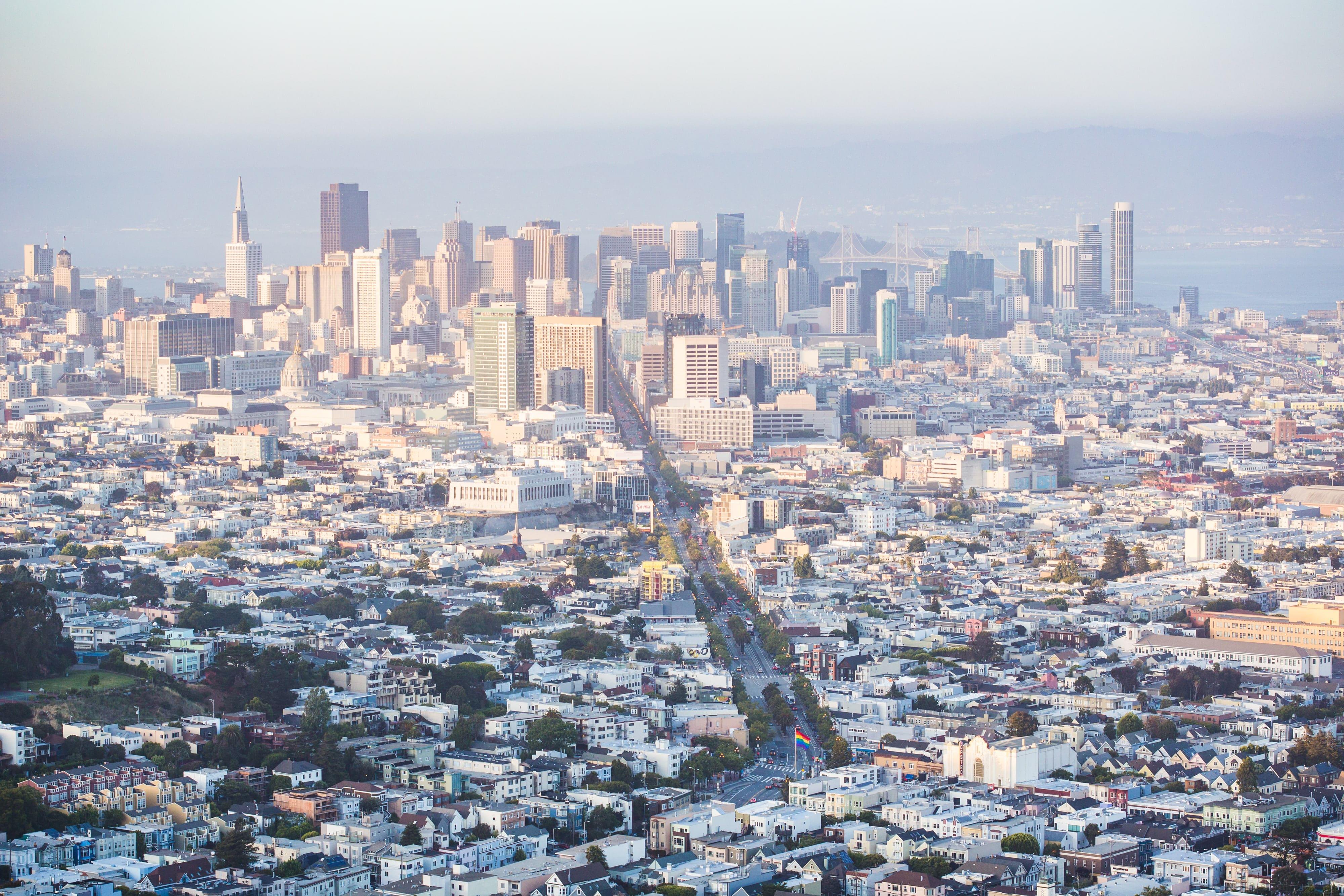 cityscape-view-of-financial-district-skyscrapers-in-san-francisco-california-picjumbo-com-min-min