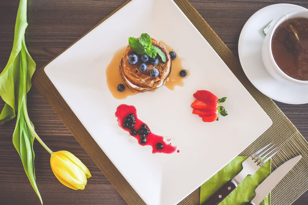 healthy-pancakes-with-cottage-cheese-and-blueberries-2-picjumbo-com-min